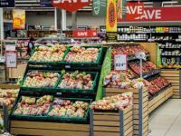 在锁定一年后爱尔兰的超市销售开始稳定下来