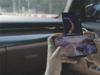 互联网看点:LG Wing真机曝光游戏玩家的物理外挂!
