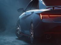 现代伊兰特N预览显示转变为最运动的轿车