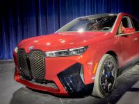 近距离接触2022款BMW iX 电动SUV