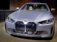 2022款BMW i4是特斯拉 Model 3的替代品