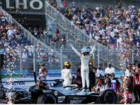 梅赛德斯赛车手德弗里斯在柏林夺冠