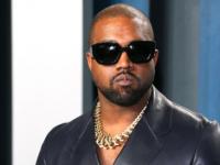 Kanye West的Yeezy夹克对Gap来说是一个巨大的打击