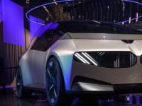 宝马设想了一款配备全新 i Vision Circular的四座电动汽车
