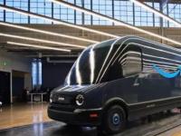 在测试期间发现的Rivian-Amazon送货车原型