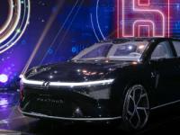 电子巨头富士康推出两款新电动汽车